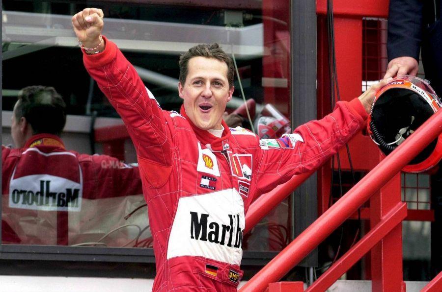 Михаэль Шумахер после победы на Гран-при Бельгии, 2001 год. Фото: EPA PHOTO BELGA /OLIVIER HOSLET